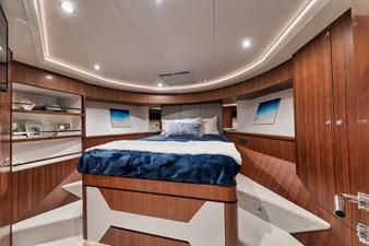 2019 Ocean Alexander 88 Skylounge Mudslinger 23