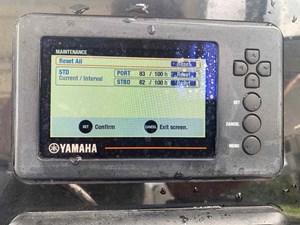WORLD CAT 255 DC 11 Yamaha Engine Gauge