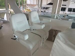 ALEXELLE 8 Flybridge Helm and Companion Seats