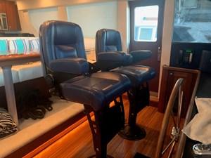 ALEXELLE 24 Pilothouse Helm and Companion Seats