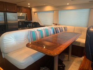 ALEXELLE 25 Pilothouse Settee with Dining Table