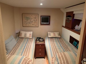 ALEXELLE 51 Port Twin Berth Guest Stateroom