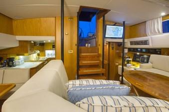 Too Elusive 3 Interior Living area