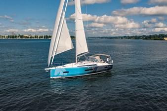Beneteau Oceanis 40.1 13 DJI_0092.jpg-1900px