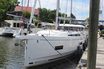 Beneteau Oceanis 40.1 24 IMG_0185