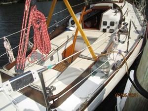 Swagman 14 13_2780809_36_cheoy_lee_sigma_cockpit_forward1