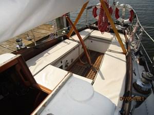 Swagman 16 15_2780809_36_cheoy_lee_sigma_cockpit_aft1