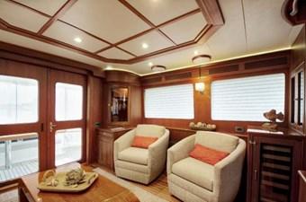 Incorrigible 18 Salon Port Side