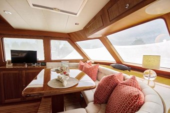 Incorrigible 23 Pilothouse Seating