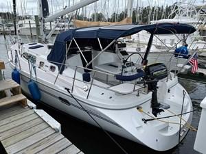Endeavour 0 37' Catalina 375
