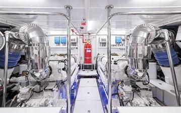Bella Tu 41 Engine Room 1