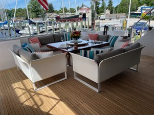 Bella Tu 16 Aft Deck updated Dining Table 3