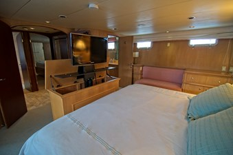 Victory 29 Owners Cabin with pop up TV