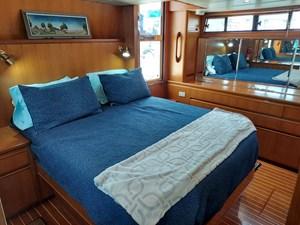 Farmer's Retreat 77 1101 Farme's Retreat Master Cabin Port