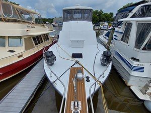 Nicky Boy 18 0019 Bow looking Aft