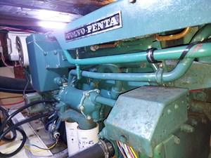 Nicky Boy 95 0142 Engine Room