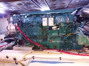 Nicky Boy 107 0154 Engine Room