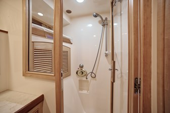 Waypoint 18 Master Shower