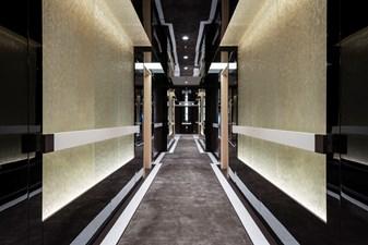 ILLUSION PLUS 6 33, Maindeck guest corridor