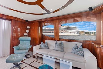 OBSESSION 3 Salon Looking Port Aft
