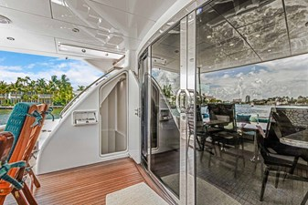 OBSESSION 54 Aft Deck to Port