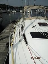 Laura II 14 13_2780956_38_marlow_hunter_starboard_side_deck1