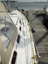 Laura II 15 14_2780956_38_marlow_hunter_starboard_side_deck2
