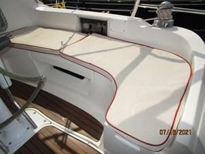 Laura II 23 22_2780956_38_marlow_hunter_cockpit_starboard_seating