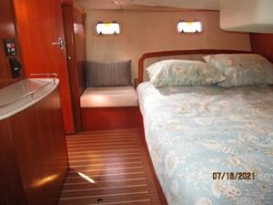 Laura II 48 47_2780956_38_marlow_hunter_master_stateroom_starboard