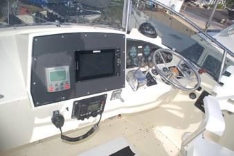 MAHALO 25 Flybridge Helm
