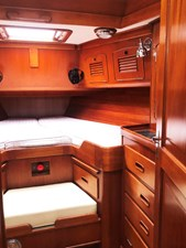 MARIPOSA 11 Fwd. Cabin