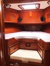 MARIPOSA 10 Fwd. Cabin
