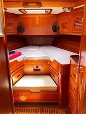 MARIPOSA 9 Fwd. Cabin
