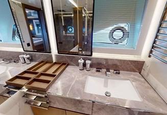 QUID NUNC 30 30. VIP Cabin En Suite