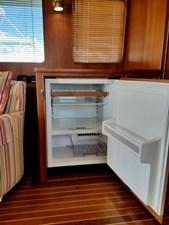Doña Mimi 6 4. Salon refrigerator with icemaker