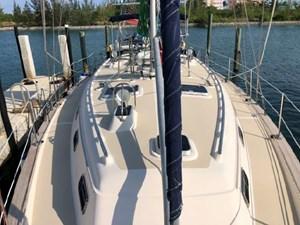 Annie 3 Annie 2002 ISLAND PACKET YACHTS 420 Cruising Sailboat Yacht MLS #272416 3