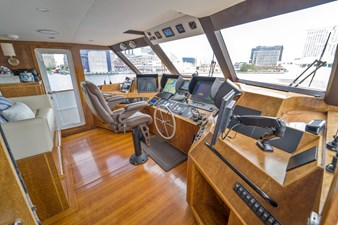 Bravo 13 1997 Stephens 100 Tri-Deck - Bravo - Helm