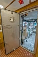 Bravo 74 1997 Stephens 100 Tri-Deck - Bravo - Engine Room
