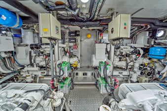 Bravo 75 1997 Stephens 100 Tri-Deck - Bravo - Engine Room