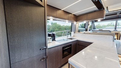HANG TIME 7 HANG TIME 2020 GALEON 680 FLY Motor Yacht Yacht MLS #272431 7