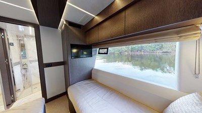 HANG TIME 20 Twin Stateroom Stbd
