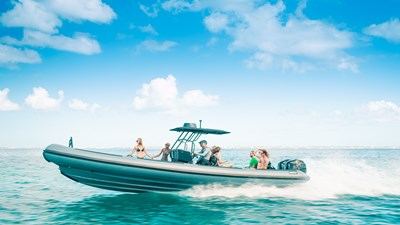PINK SHADOW 24 yacht-pink-shadow-toys-3