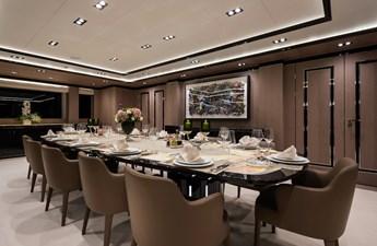 O'PTASIA 5 Main deck dining