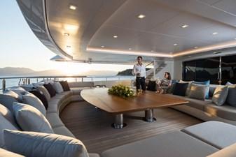 O'PTASIA 30 Main deck aft seating area