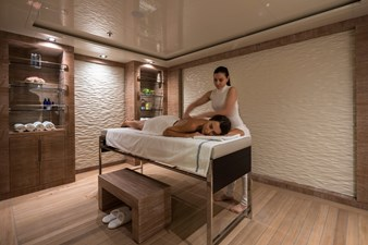 O'PTASIA 33 Lower deck massage room