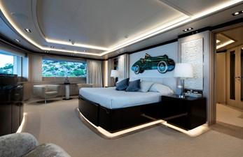 O'PTASIA 7 Upper deck forward owner's cabin
