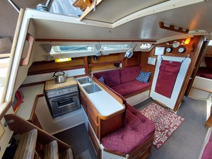 Diligence 32 042 Diligence Galley and Salon Port
