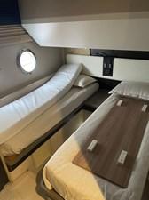 Prive 5 Prive 2017 AZIMUT YACHTS Flybridge Cruising Yacht Yacht MLS #272450 5