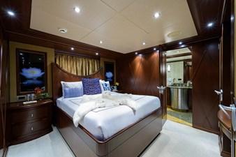 BURGAS 89 136_intermarine_burgas_starboard_guest_stateroom_2