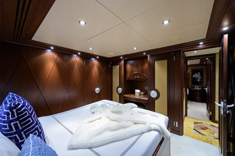 BURGAS 88 136_intermarine_burgas_starboard_guest_stateroom_3